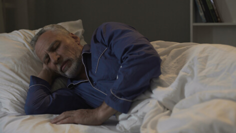 Bedtime Routines That Improve a Senior's Sleep Quality