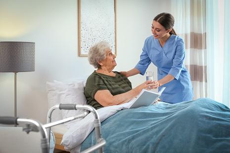senior-care-during-a-warm-season